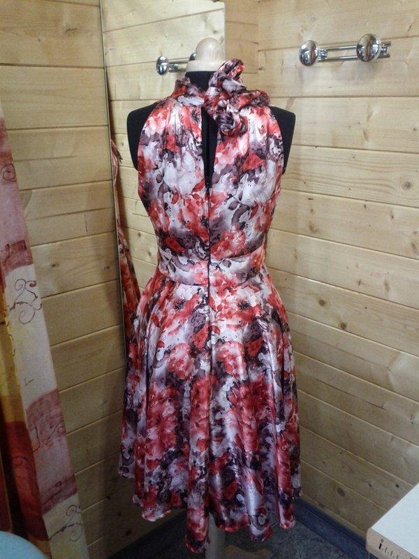 IMG_20120326_091028 dans robe de soiree