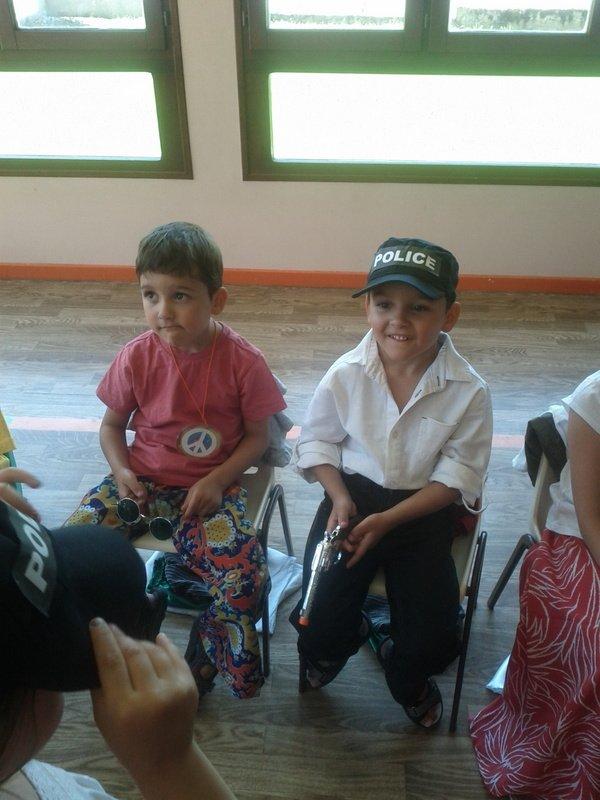 Confection des costumes pour l'école dans Déguisement IMG_20120616_134336
